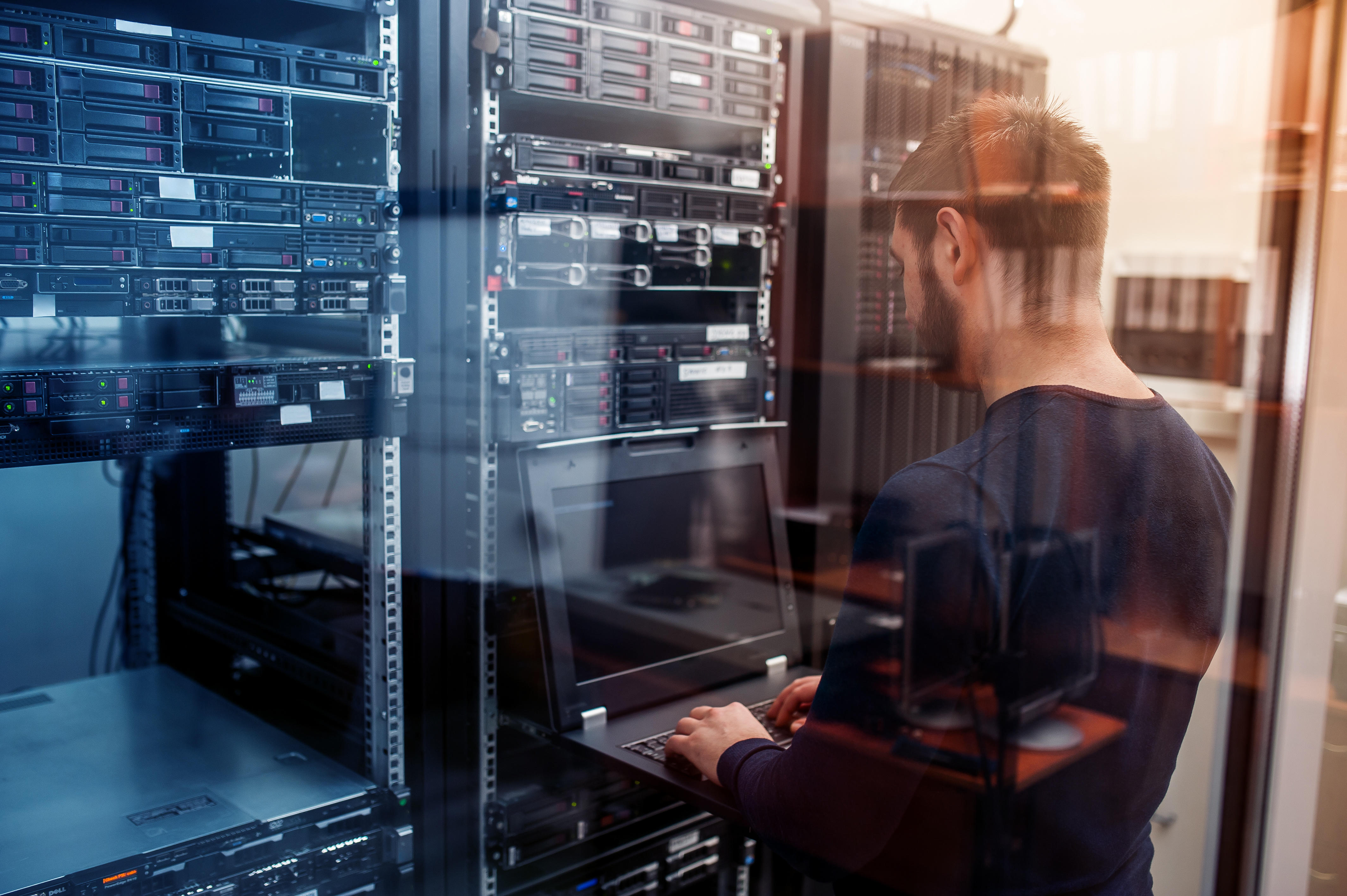 Kostenloses Infopaket: Zusätzliche Server-Kapazitäten on Demand